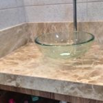 bord haut marbre Salle de Bain Beige Onyx Cream